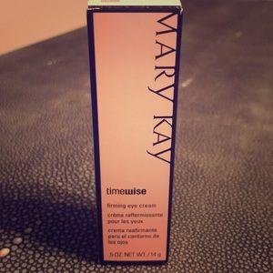 Mary Kay TimeWise firming eye cream